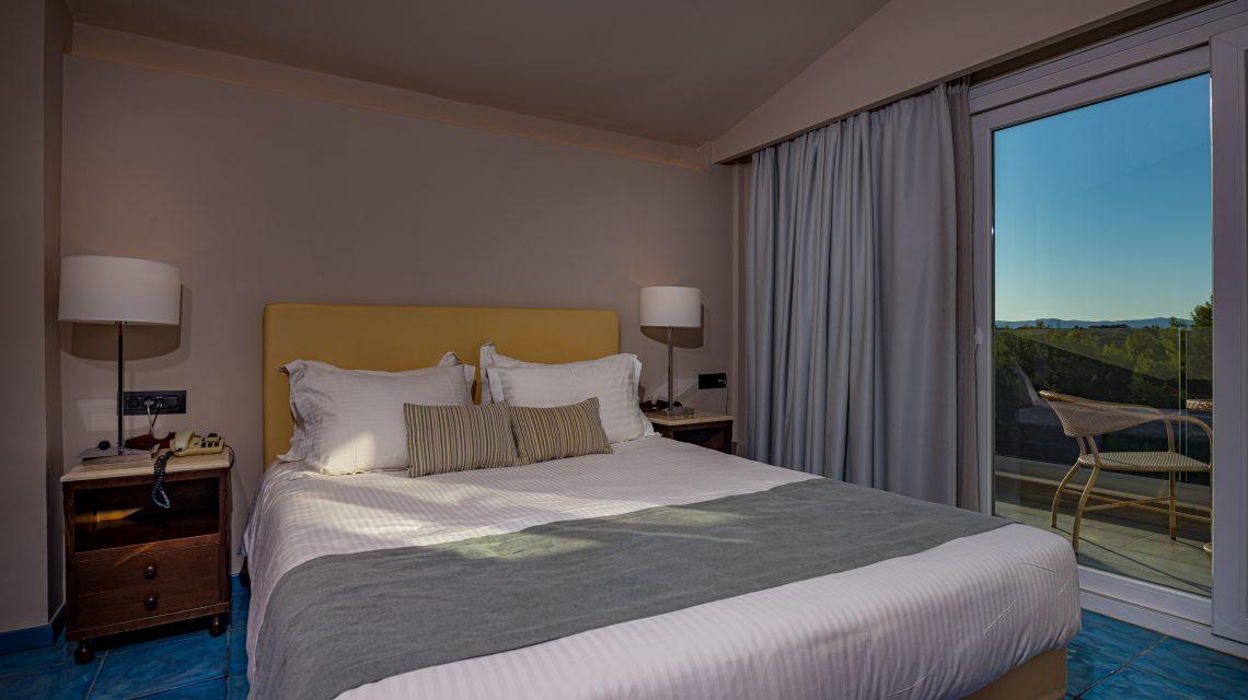 D5 Suite (Side Sea View)