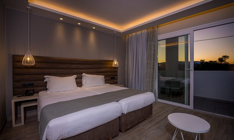 B6 - Standard Room (Side Sea View)